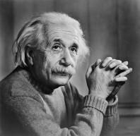 Einstein posando
