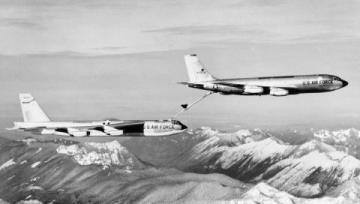 b-52 & boeing stratotanker