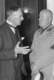 Chamberlain Mussolini
